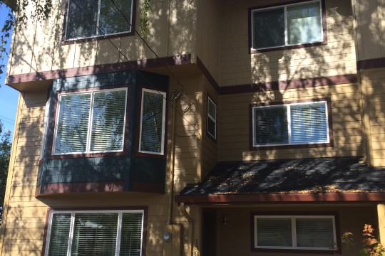 Newer Townhouse with 2 Master Suites in Sellwood!